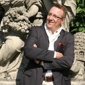 Hans J Schmid